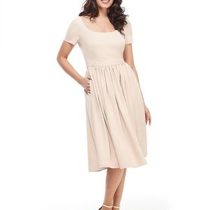 NWT Gal Meets Glam Annie dress oatmeal color